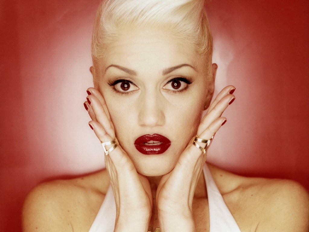 Gwen Stefani - Magic's In The Makeup